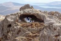 Hiking Tour in Panagia Kakaviotissa(Roofless chapel)